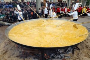 giant_omelette1